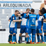 Jugadores Sabadell celebrando gol
