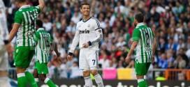 Cristiano Ronaldo tratará de anotar ante el Betis su primer gol en liga