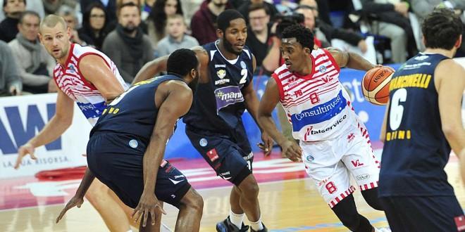 Pesaro y Torino en su primer enfrentamiento