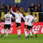 carlos soler celebra un gol