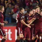 Jugadores Sparta celebran gol