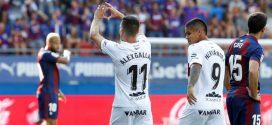 alex gallar marca el primer gol del huesca en primera division