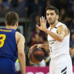 campazzo y pangos durante un real madrid barcelona de baloncesto