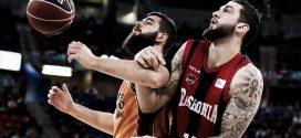 Dubljevic y Poirier luchan por un balón en un Valencia Baskonia