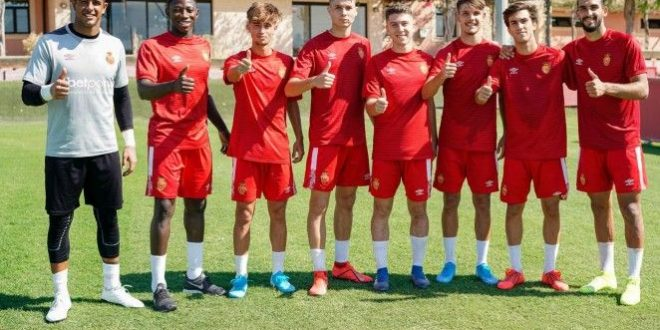 Tercera División (Grupos 11 y 15): Mallorca B – Sóller / Mutilvera – Lourdes